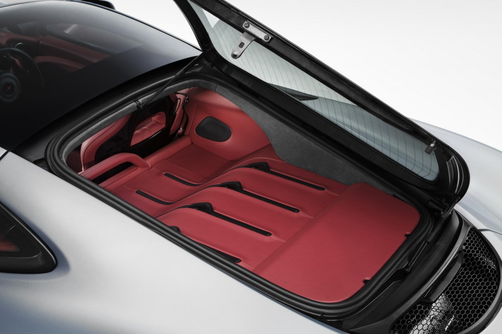 2017 McLaren 570GT - Innovative Luggage Area
