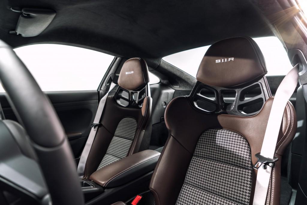2016 Porsche 911 R - Interior